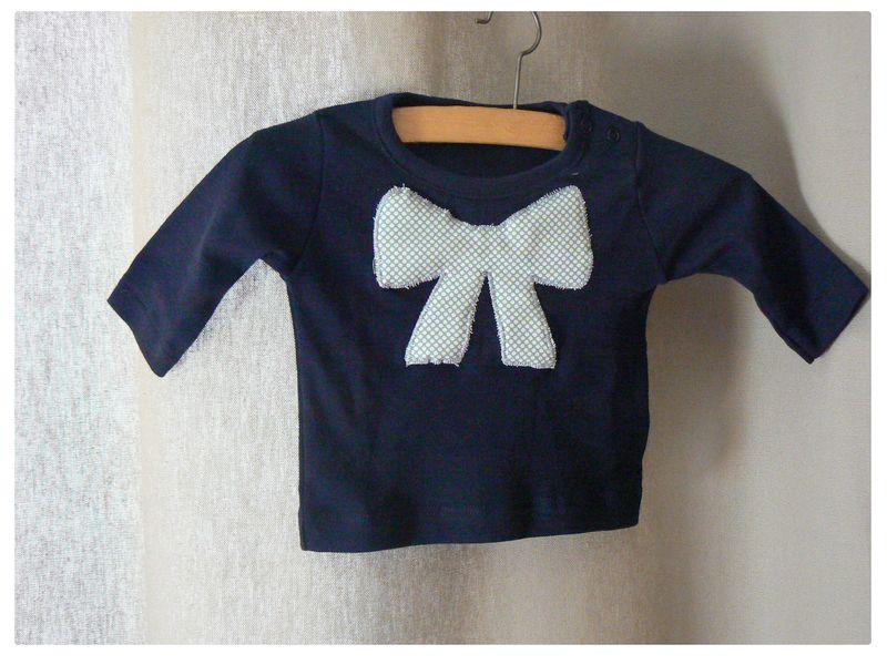 Tshirt bébé noeud bleu pois blanc